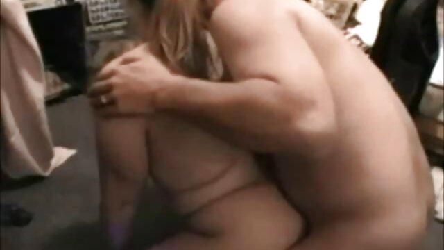 Տաք պոռնո առանց գրանցման  Մեծ սեքս ազատ տատիկի պոռնո կայքեր է անտառում.