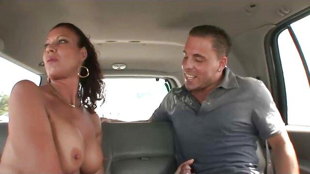 Տաք պոռնո առանց գրանցման  Քույրը նկարում էր նրան ետևից անվճար սեքս