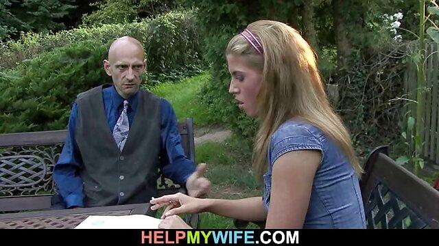Տաք պոռնո առանց գրանցման  Կինը մատները դնում է իր ամուր Դիքի վրա վստահելի պոռնո կայքեր ։