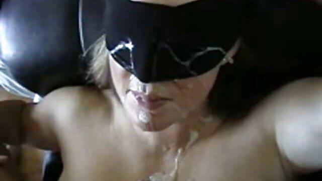 Տաք պոռնո առանց գրանցման  Քրիստինան ձեռք իրական պոռնո կայքեր է մեկնում